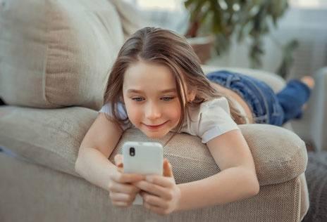 Pros-und-Contras-vom-Handy-im-Kinderalter